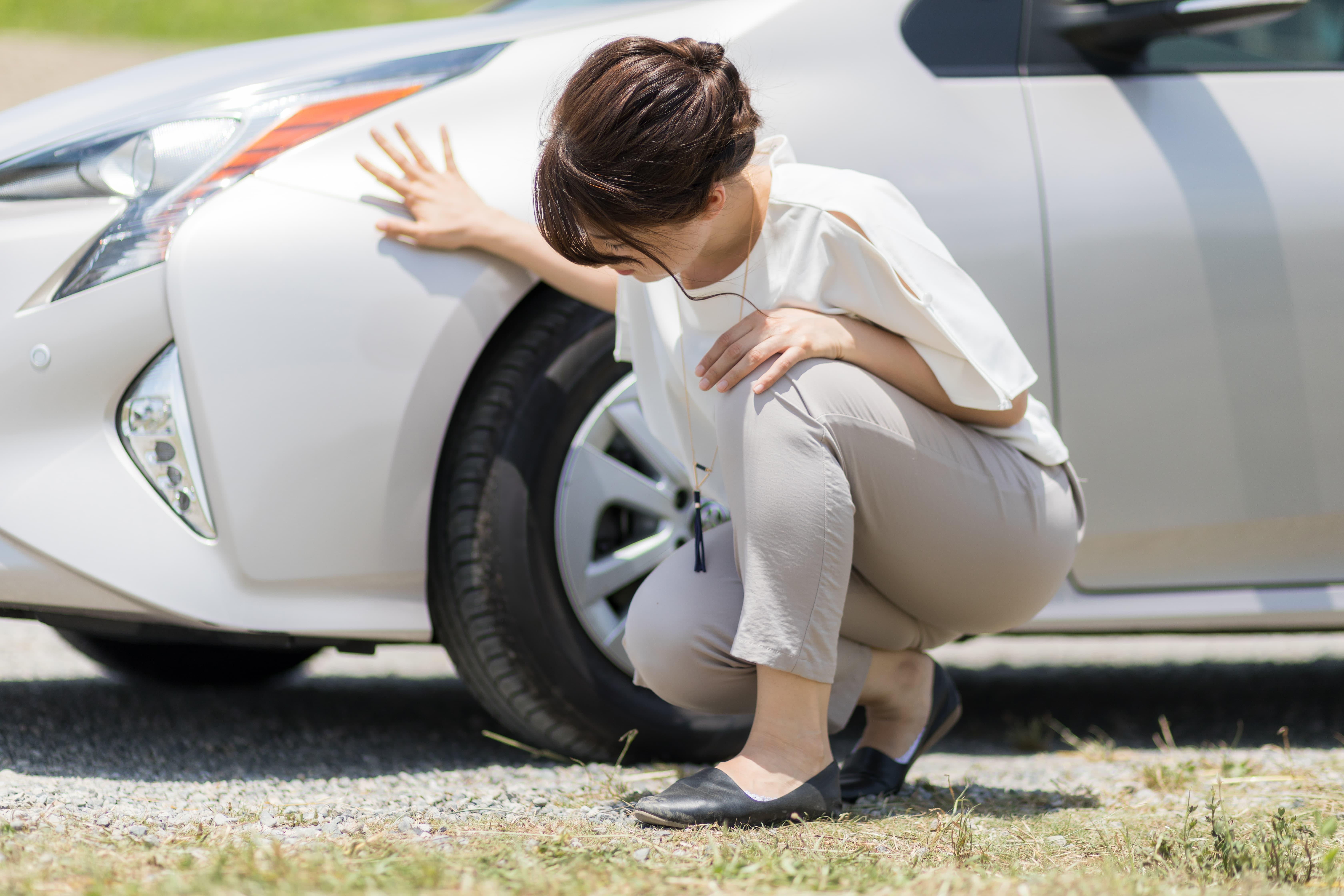 Crevaison pneu voiture dépannage